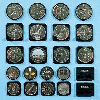 Instruments de bord pour avion 1/5. ø 12/16 mm.
